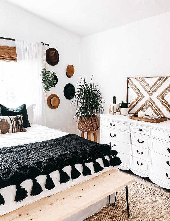 10 Bright And Airy Black And White Boho Bedroom Ideas Diy Darlin