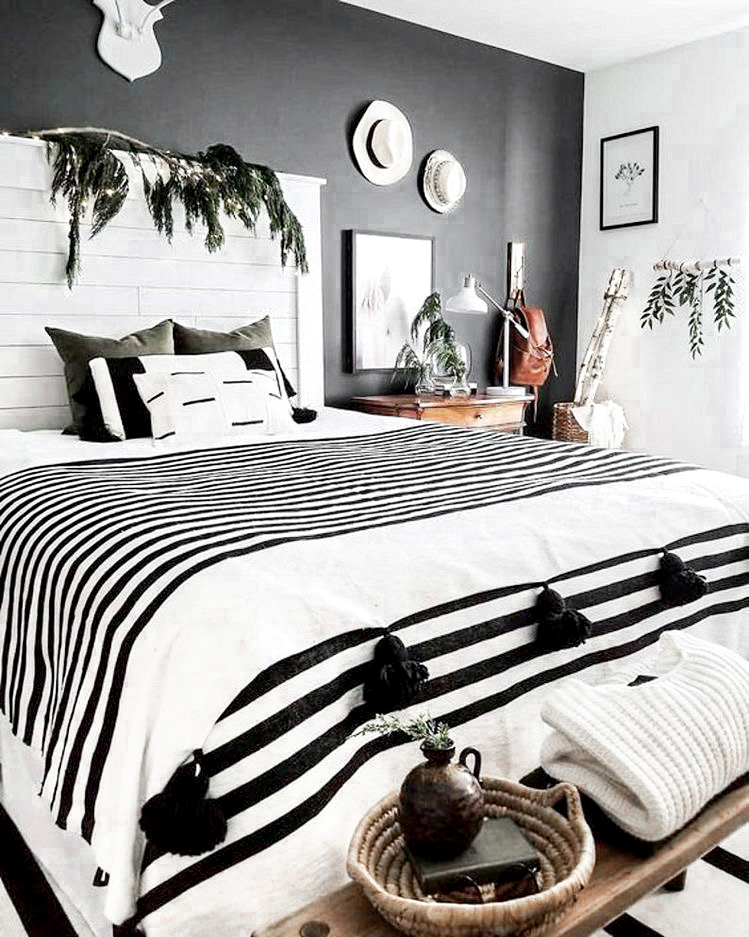 10 bright and airy black and white boho bedroom ideas